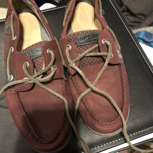 Sperrys never worn before